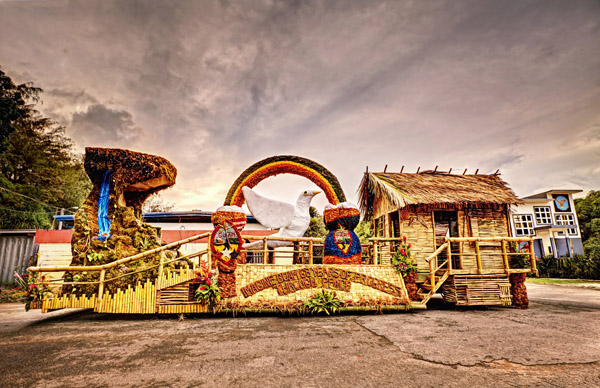 Santa Rita wins best float for 2012 Guam Liberation.